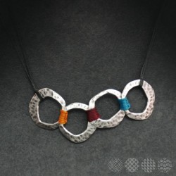 Hammered cycles Necklace | Silver color