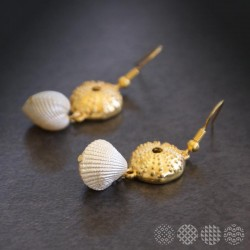 Scallop Earrings | Gold color
