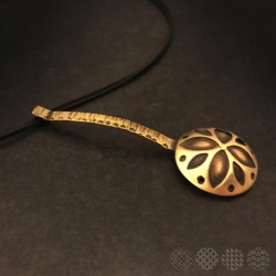 Flower Necklace | Brass ΚΟΛΙΕ