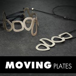 MOVING PLATES